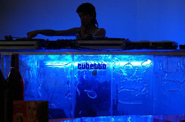DJ Pult aus Face to Face (Iceteam Thomas Tremml)
