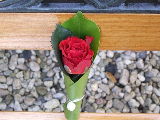 Blumen-Anstecknadeln