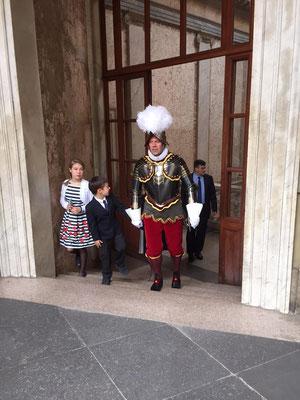 Kommandant Graf kommt auf den Damasushof