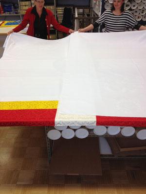 Fahne noch verdeckt