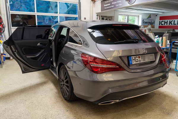 Scheibentoenung Diagonalansicht Mercedes CLA