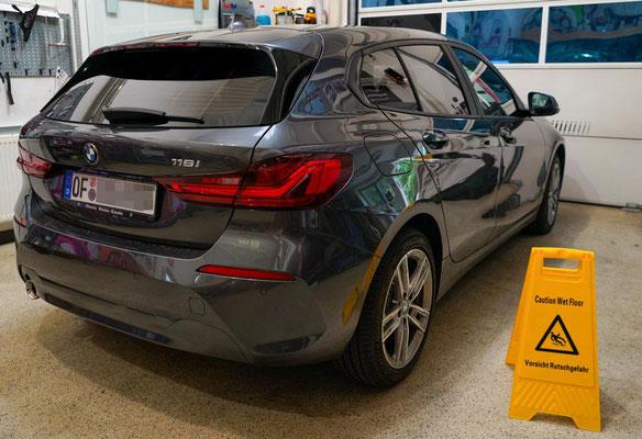 Sonnenschutz für den BMW F40 - Heckansicht