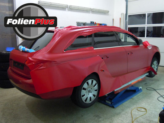 Car Wrapping Audi A4 B8 Avant in Rot Matt