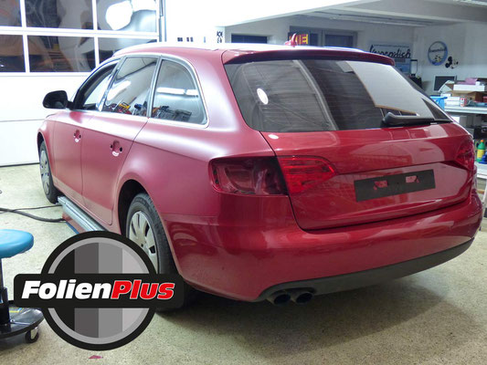 Folienbeklebung Audi A4 B8 Avant mit Oracal 970 in Rot Matt