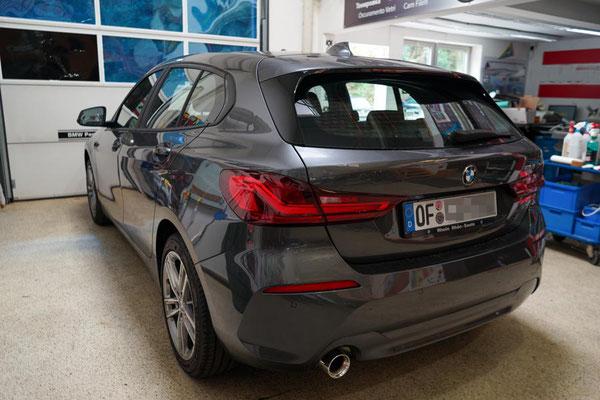 Vor der Scheibentoenung am 1er BMW