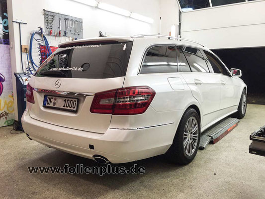 Mercedes Eklasse Kombi - Autofolierung mit Oracal 970 Perlmutt