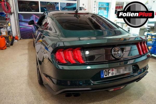 Scheibentoenung Heckansicht Ford Mustang aus Rodgau