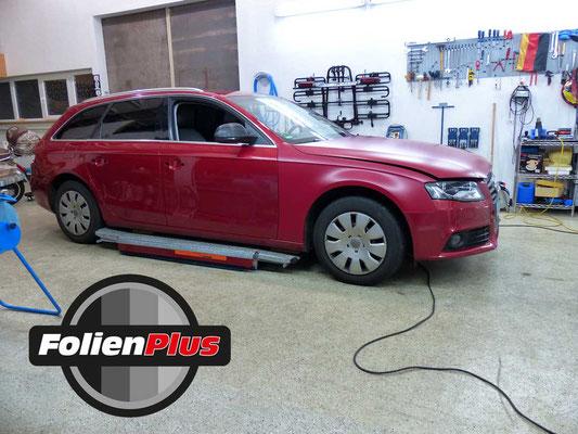 Kfz Folienbeklebung Audi A4 B8 Avant mit Oracal 970 in Rot Matt