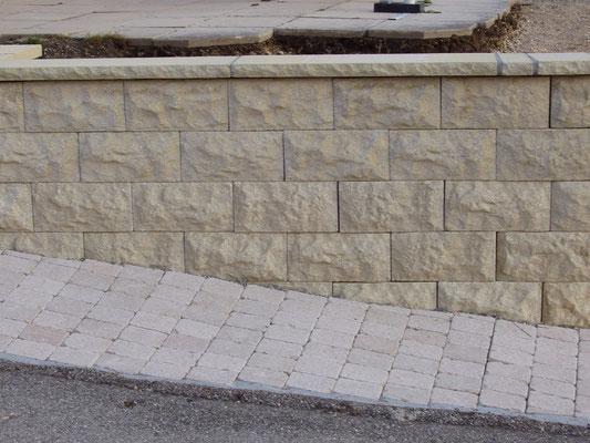 mur en briques structurées