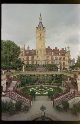 Schloss Schwerin, D50 ASA, 20mm Nikon F80