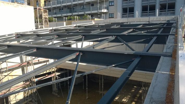 Deckenkonstruktion Saal von oben