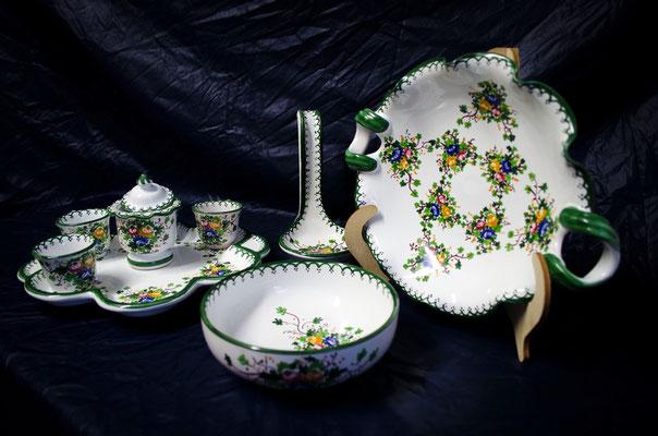CERAMICA CAPETOLA Servizio centrotavola tazzine porta mestolo ceramica abruzzese