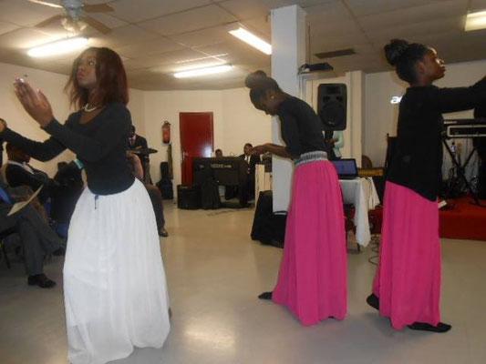 Chorégraphie par les jeunes EEBB