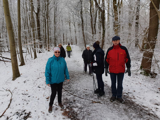 Wir wandern auch bei Schnee und Frost