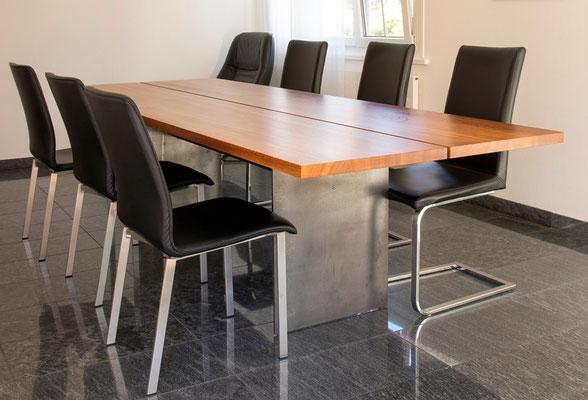 Edle Stühle tisch stuhl blickpunkt im esszimmer schreinerei popp ag