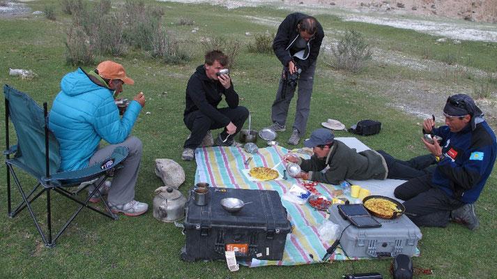 Wenige Male war das Wetter so, dass wir das Essen im Freien als Picnic zu uns nehmen konnten