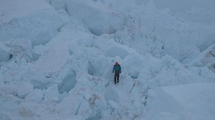 David im Aufstieg durch den Eisbruch © G.Kaltenbrunner