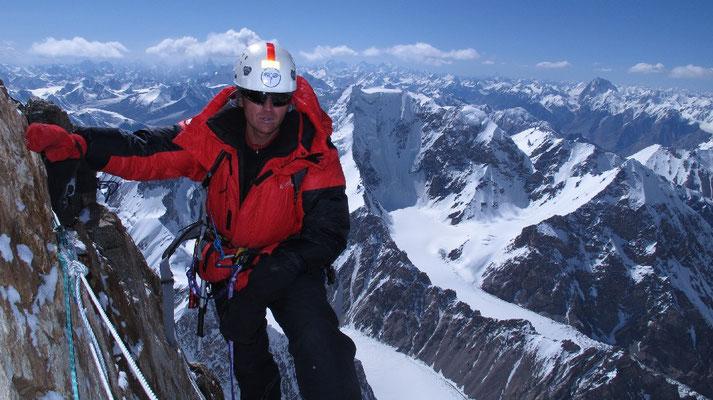 Vassiliy im Aufstieg oberhalb von Lager III © Gerlinde Kaltenbrunner