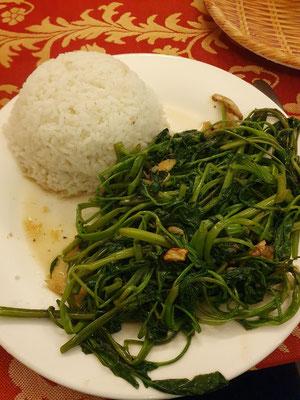 Stir fried water spinach 1,50€ 10/10