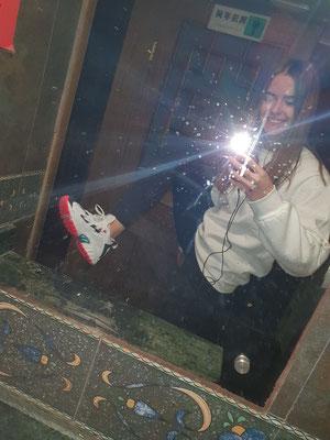 Day 13: Nachdem sich das erste und einzige paar Schuhe schon langsam auflöst, habe ich in Xi'an zufällig neue gefunden!