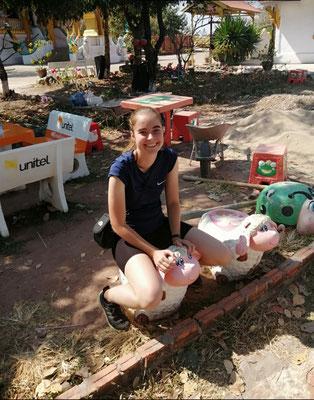 Day 4: Was für komische Tiere neben dem Riesenbuddha in Pakse herumlaufen...?!