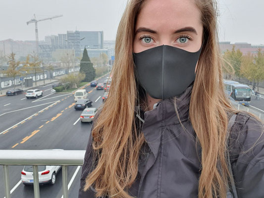 Day 10: Da ist ja der Smog... ein grauer Nachmittag in Beijing.