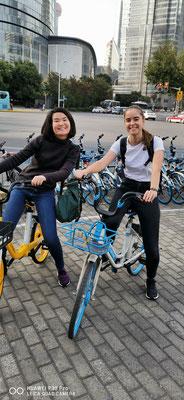 Day 2: Zusammen mit einer chinesischsprechenden Thailändern auf dem Fahrrad durch Pudong (Shanghai)