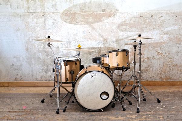 Schlagzeug Eiche, Oberfläche geölt, Frontansicht