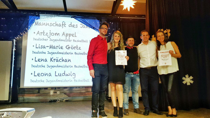 Mannschaft des Jahres GTSV Frankfurt:  männliche und weibliche Deutsche Basketball Jugendmeister,  Artzjom Appel, Lisa-Marie Görtz, Lena Krächan, Leona Ludwig und Linda Tefs (Trainerin)