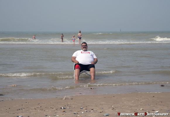 Relax sulla spiaggia a Boulogne sur Mer... (Che bello stare in Francia... dove si guida come in Italia...)