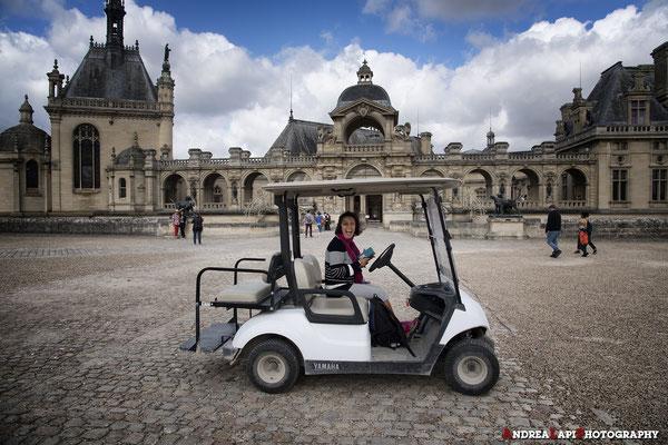 Francia - Castello di Chantilly - Ora tocca a Veronica guidare un po' e lo fa con entusiasmo!
