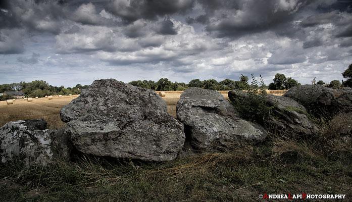 Bretagna - L'allée couverte (in italiano, corridoio coperto) è una tipologia di sepolcro collettivo megalitico