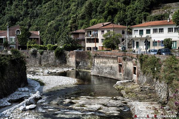 Seravezza - Il Puntone costituisce il punto d'incontro del torrente Serra col fiume Vezza dalla cui unione nasce il fiume Versilia