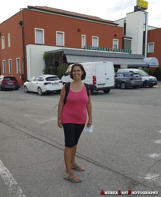 Per avvicinarsi un po' a casa... prenotiamo la cena in un ristorante a Fontanellato (vicino a Parma), dove eravamo già stati... e stati bene!