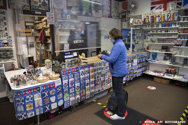 Scozia - Edinburgh - Acquisto adesivi...