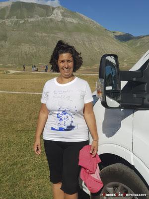 Prima una foto con la maglietta della Fondazione Nadia Toffa