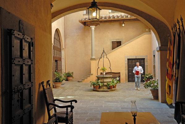 Il Castello del Trebbio - cortile interno (San Piero a Sieve)