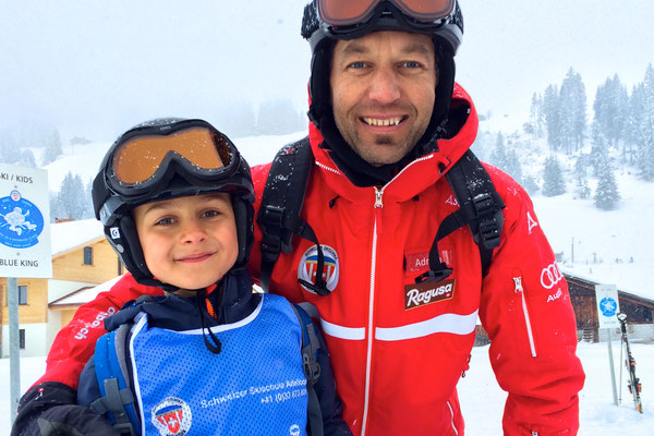 Skischule für die Kleinen und Mittelgrossen ;-)