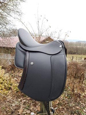 Cordoba Comfort schwarz mit 2. Sattelblatt in Lack