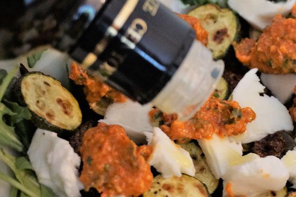 Zucchini mit Mango PestoRosso. Herrlich!