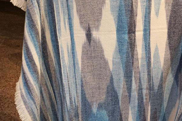 Perelic . Decken und Teppiche - designt in Berlin . gewebt in Bulgarien