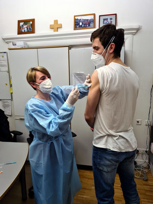 Dr. Tast wird geimpft