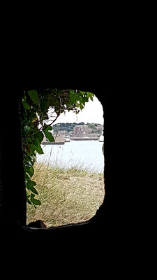 view throug the armor plate to the harbour