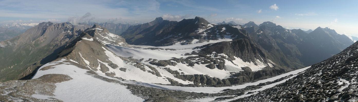 Unterhalb des Gipfels Rocciamelone -Richtung Norden (Rocciamelone Gletscher)