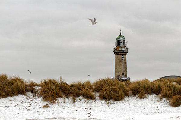 Rostock Warnemünde Leuchtturm Winter Ostsee Urlaub Strand Mecklenburg Vorpommern Heimatlicht Fineart Print Felix Lachmann Landschaft Fotografie