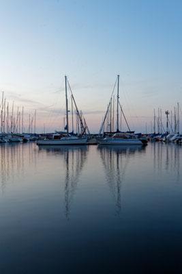 Hansestadt Stralsund Segeln Segelboot Ostsee Urlaub Strand Mecklenburg Vorpommern Heimatlicht Schwarzweiß Fineart Print Felix Lachmann Landschaft Fotografie