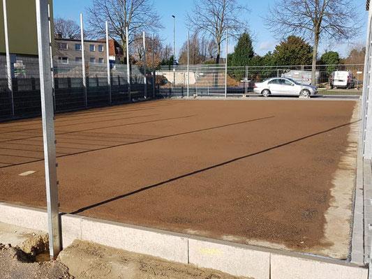 Unterbau für Multisport-Platz aus Teppichvliesbelag