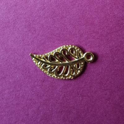 Blatt, goldfärbig, 2cm lang