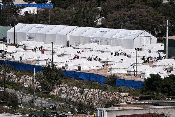 Das Zeltlager im Athener Vorort Schisto. Hier sitzen 1.300 Migranten fest, die meisten von ihnen sind Afghanen. © Louisa Gouliamaki/AFP/Getty Images