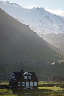 Blick von Arnastapi auf den Fuß des Snaefellsjökull